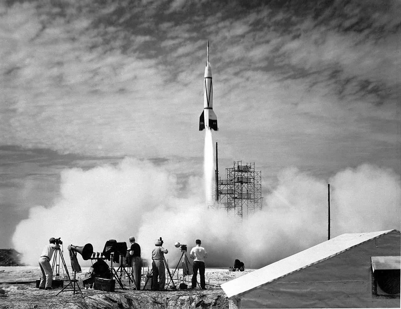 1280x986xBumper-8-launch-at-Pad-3-Cape-Canaveral-Air-Force-Station-Florida-24-July-1950.jpg.pagespeed.ic.Q8zBjYznim